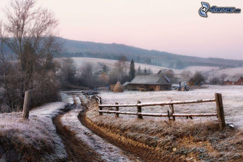 camino de campo, glaseado, aldea