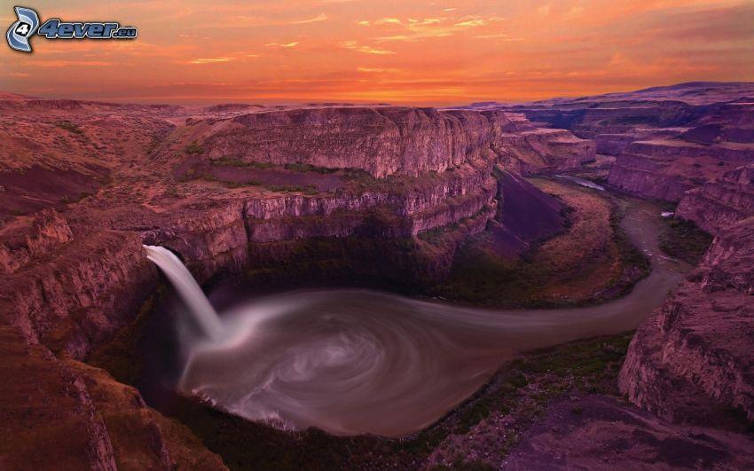 cascada, rocas, acantilados costeros, cielo anaranjado