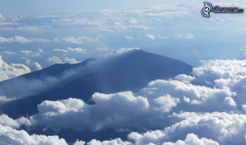 Etna, encima de las nubes