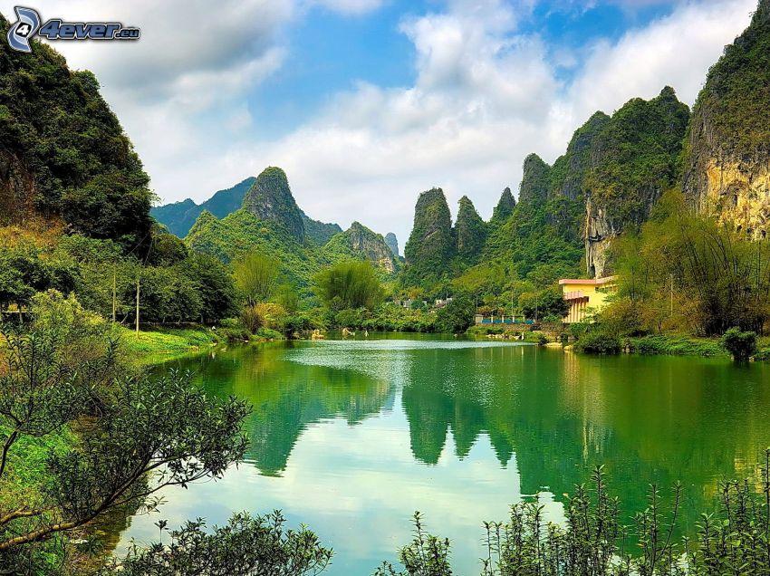 lago, montañas altas, reflejo