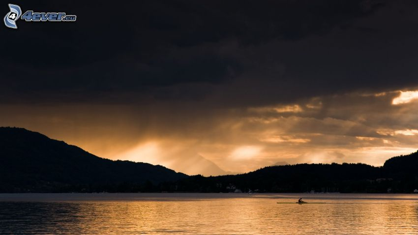 lago, sierra, nubes oscuras