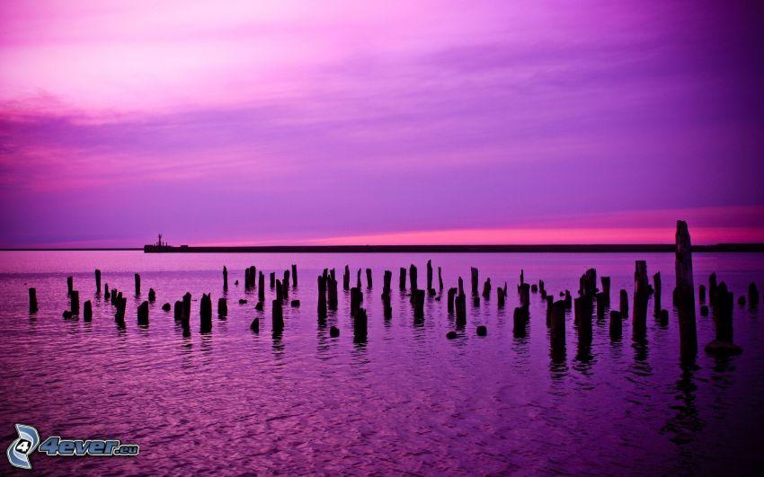mar, cielo púrpura, columnas