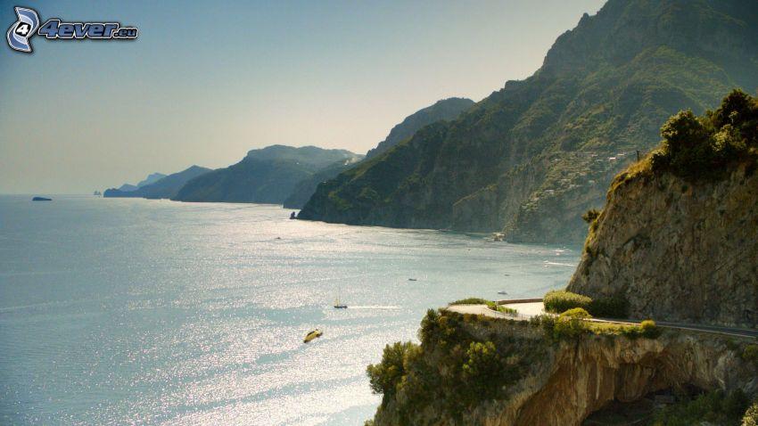 acantilados costeros, vista al mar, sierra