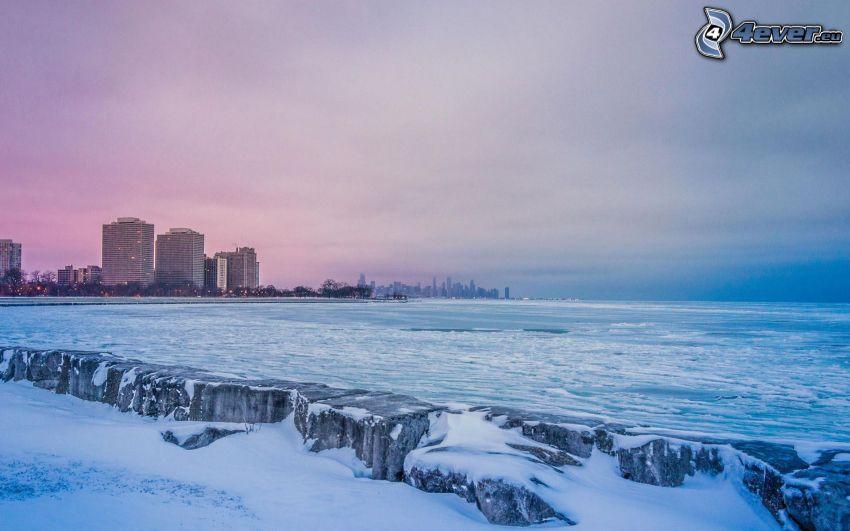 Chicago, mar, después de la puesta del sol