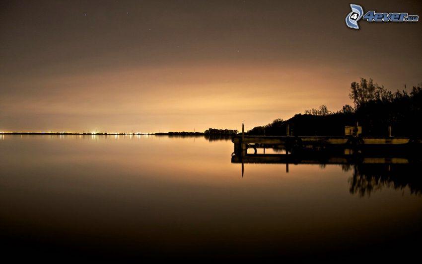 después de la puesta del sol, muelle, mar