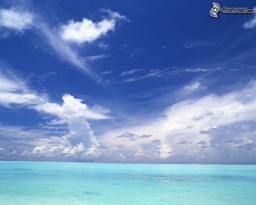 el mar azul, cielo azul, nubes, agua, océano