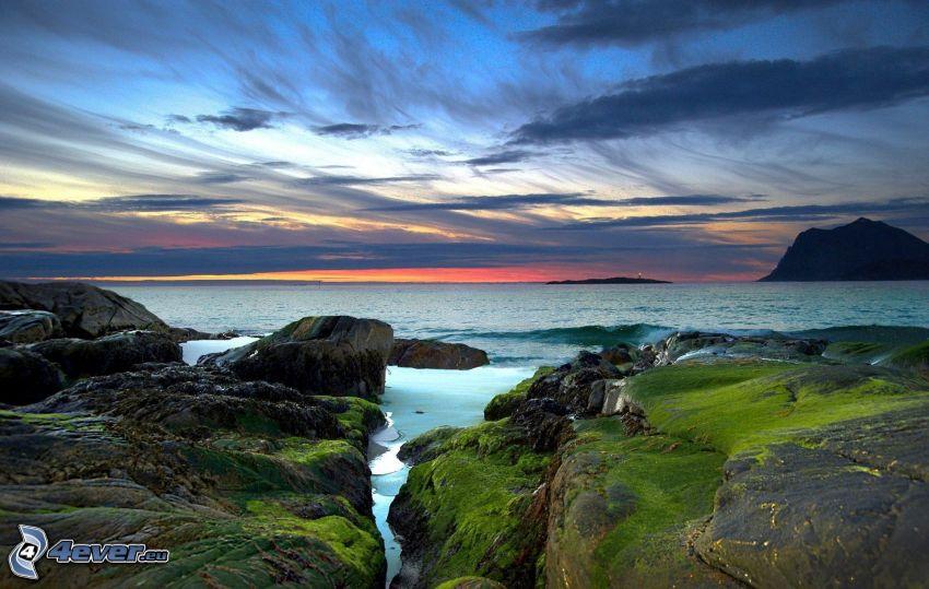 mar, costa de piedra, nubes, cielo