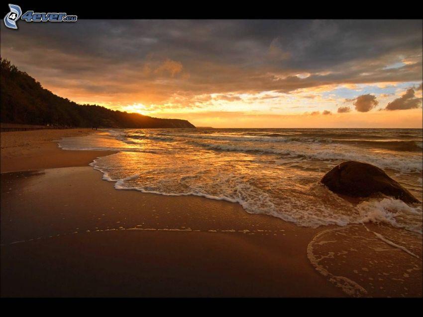 playa de arena, mar, salida del sol, roca