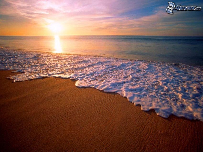 playa de arena, mar, salida del sol