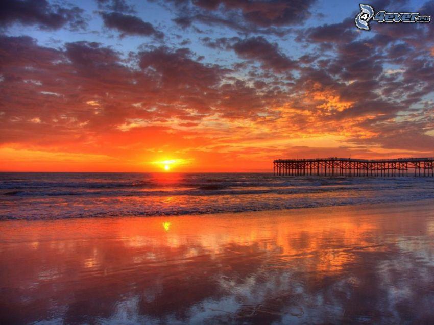 puesta de sol sobre el océano, Hawai, muelle, playa, mar
