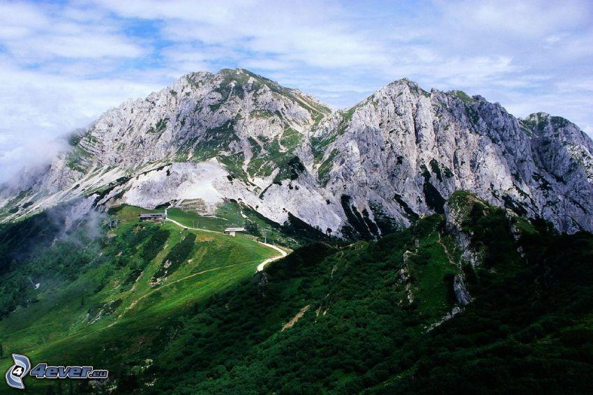 Alpes italianos, montañas, nieve, hierba, nubes