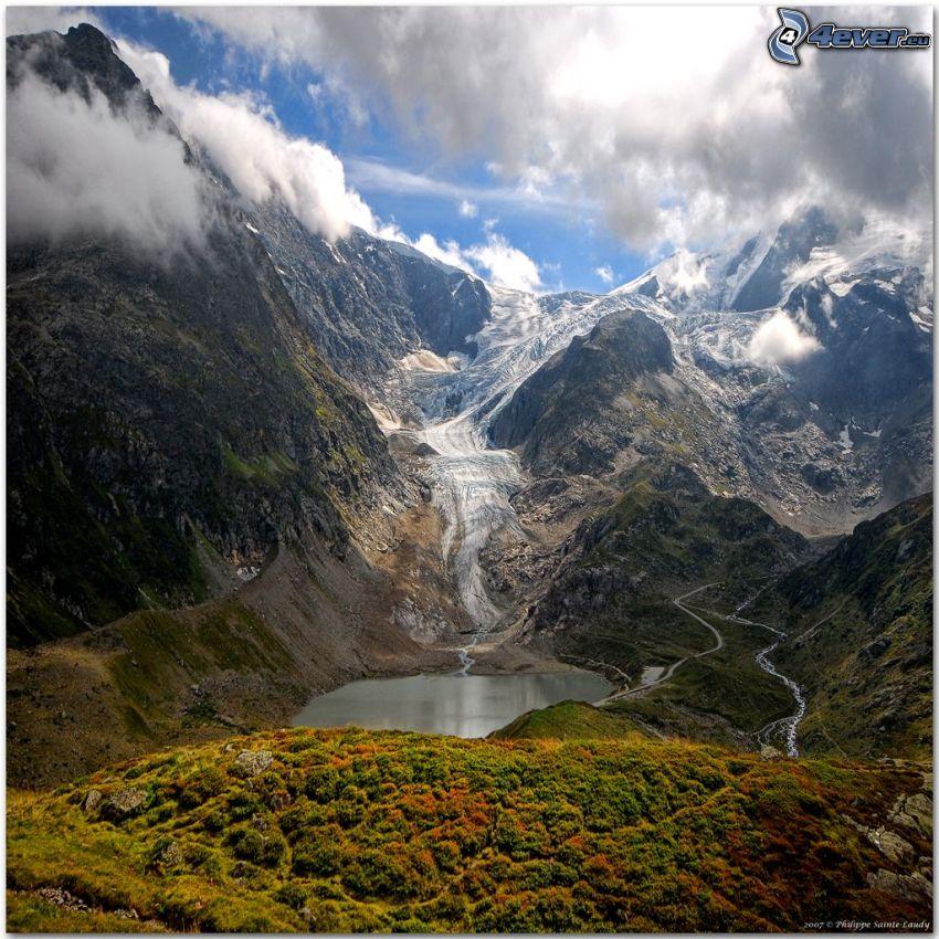 Alpes suizos, montañas, lago de montaña