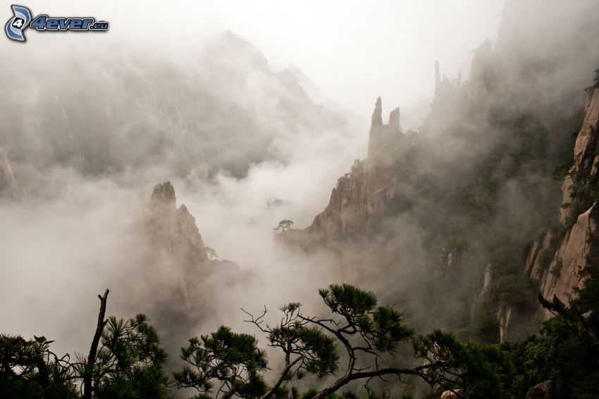 Huangshan, montaña rocosa, nubes