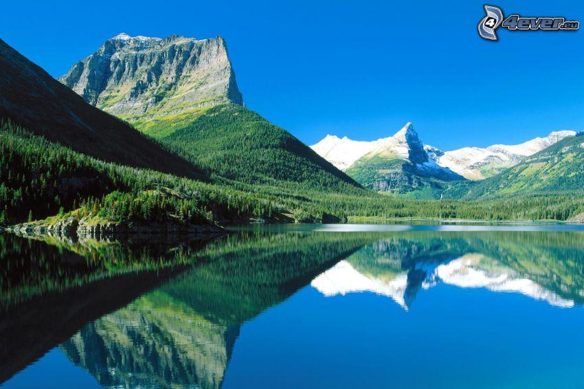 Maligne, Parque Nacional Jasper, lago, montañas, nivel de aguas tranquilas, reflejo