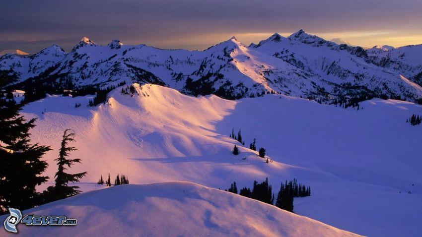 montañas nevadas, nieve