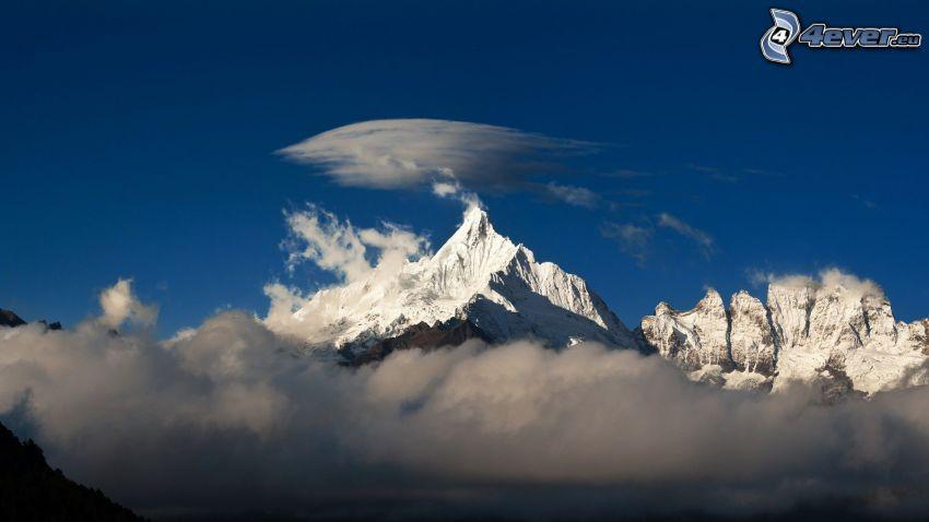montañas nevadas, nubes