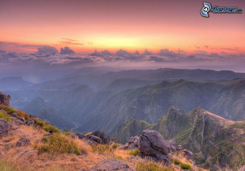 vista del paisaje, puesta del sol, montaña rocosa