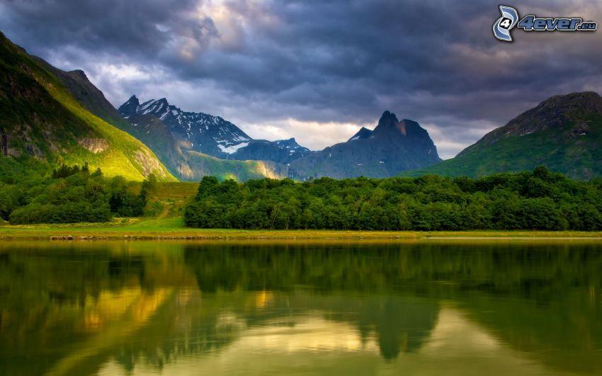 Noruega, lago, montañas rocosas