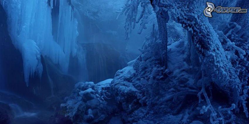 paisaje helado, cascada
