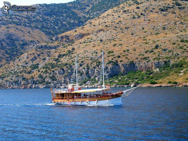 barco turístico, lago