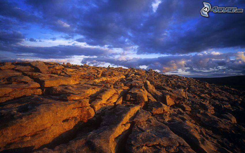 cascada, piedras, nubes