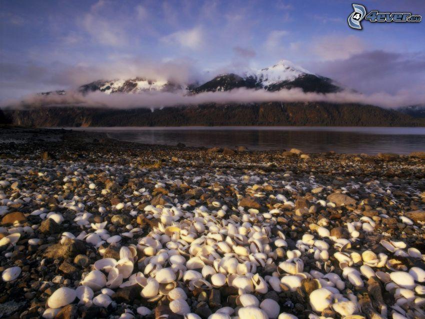 costa rocosa, concha, montañas, nubes, lago