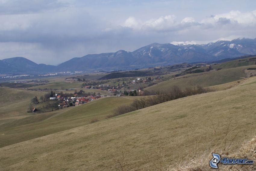 Eslovaquia, aldea, montaña, prado, Alto Tatra