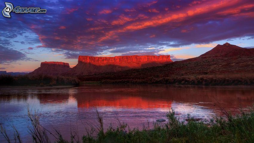 montañas en forma de mesa, puesta de sol en las montañas, lago, Utah