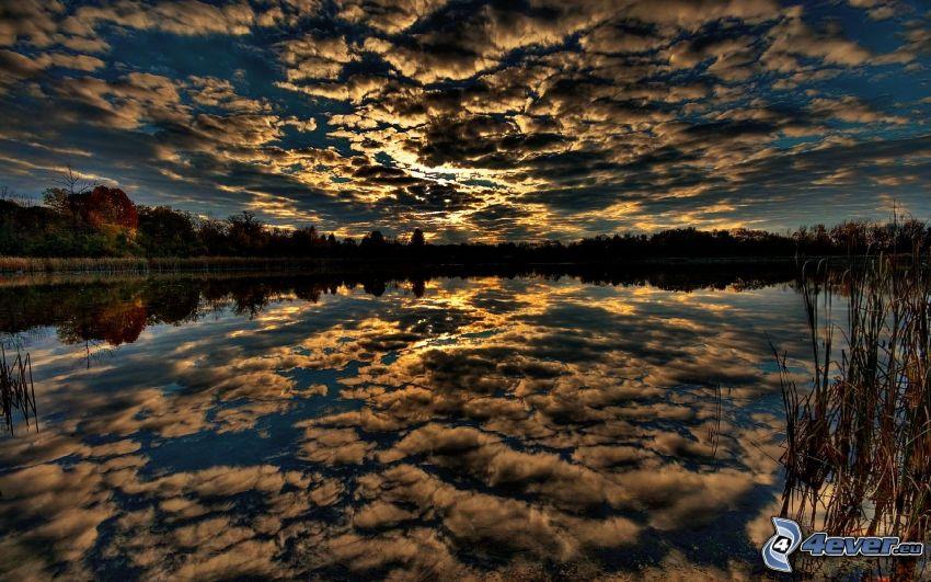nubes, lago, reflejo
