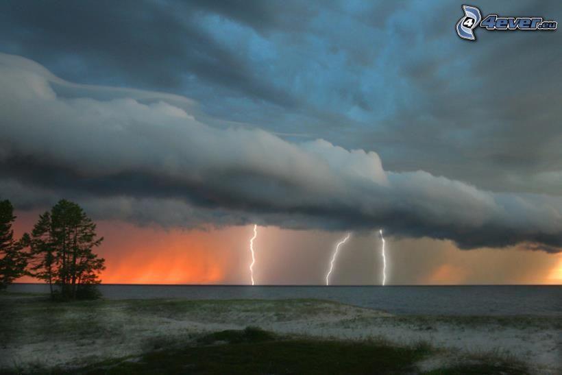 tormenta, lago Baikal, Rusia