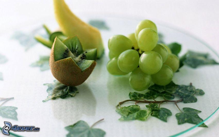 uvas, kiwi