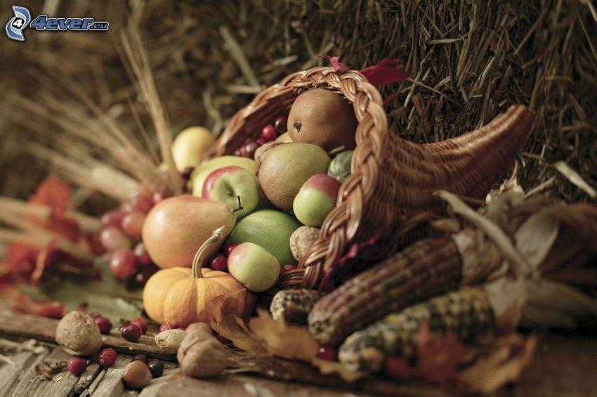 verduras, fruta, heno