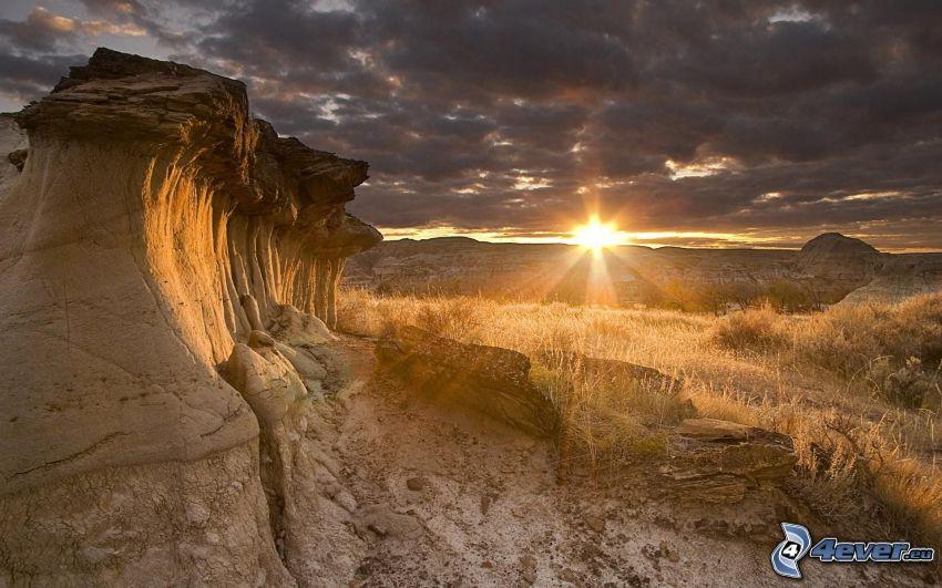 puesta del sol, piedras, sierra