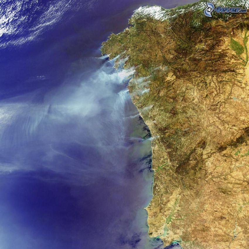 imagen del satélite, fuego, humo, mar, costa