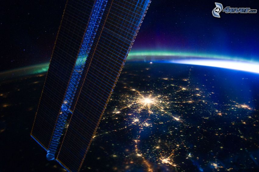 Tierra desde la ISS, Moscú, noche