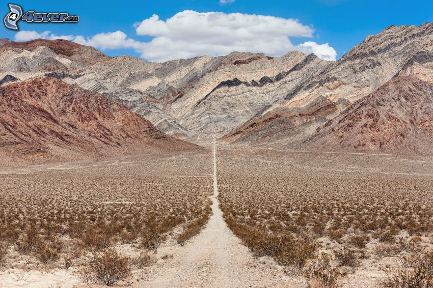 Valle de la Muerte, sierra, camino