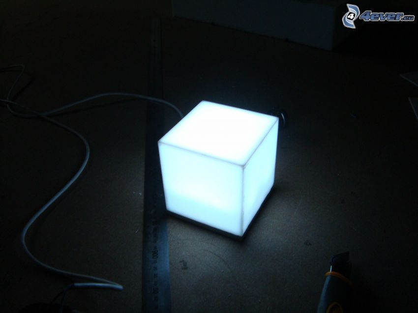 cubo, lámpara