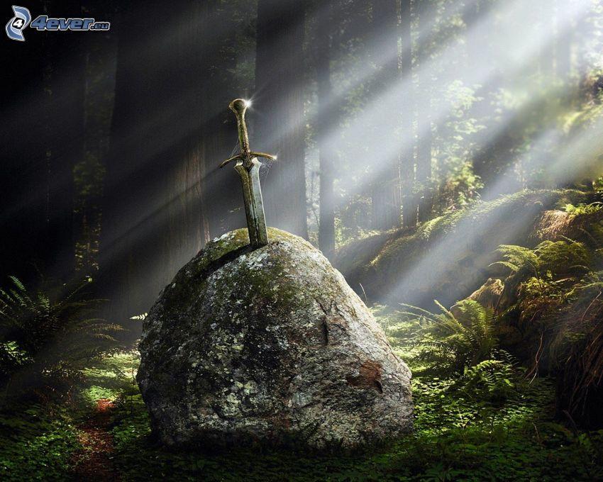 Excalibur, espada, roca, rayos de sol en el bosque