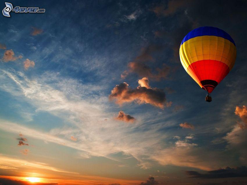 globo de aire caliente, puesta del sol
