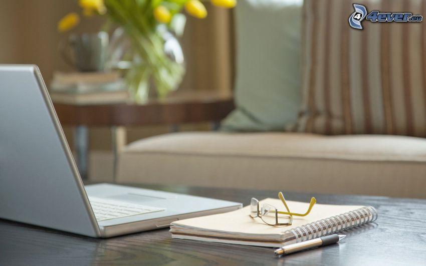 notebook, libro, gafas, pluma