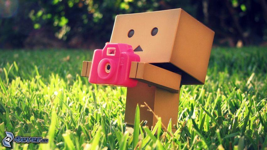 robot de papel, cámara, césped