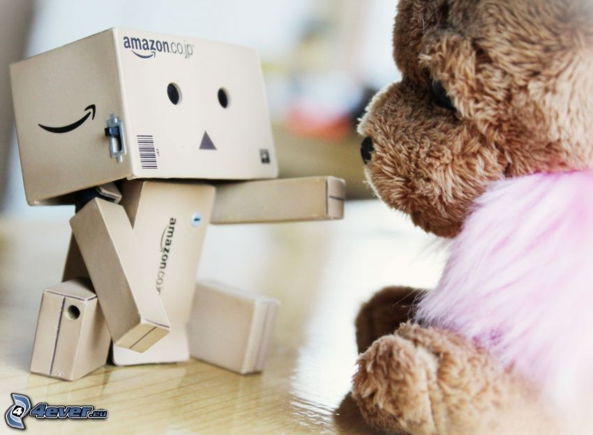 robot de papel, oso de peluche