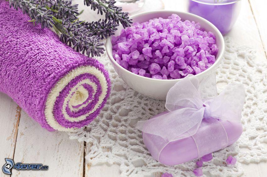 toalla, jabón, piedras, violeta