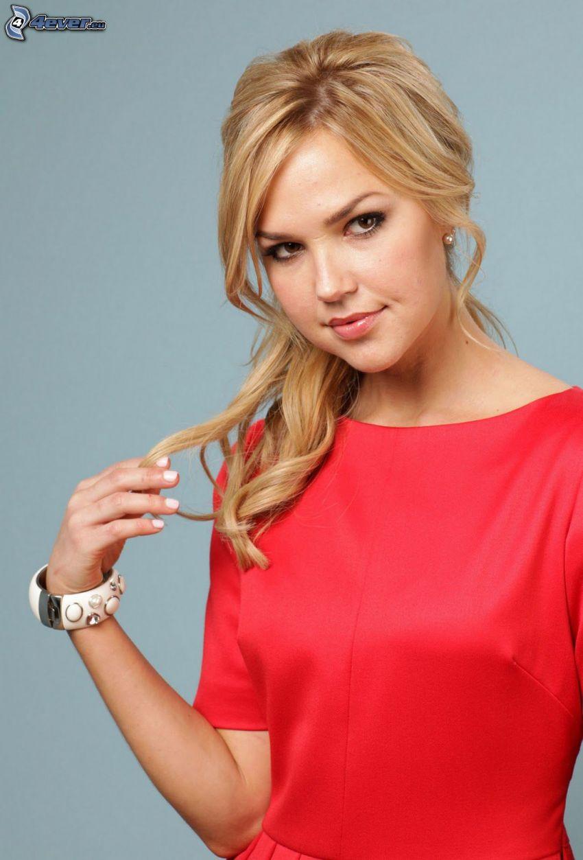 Arielle Kebbel, vestido rojo