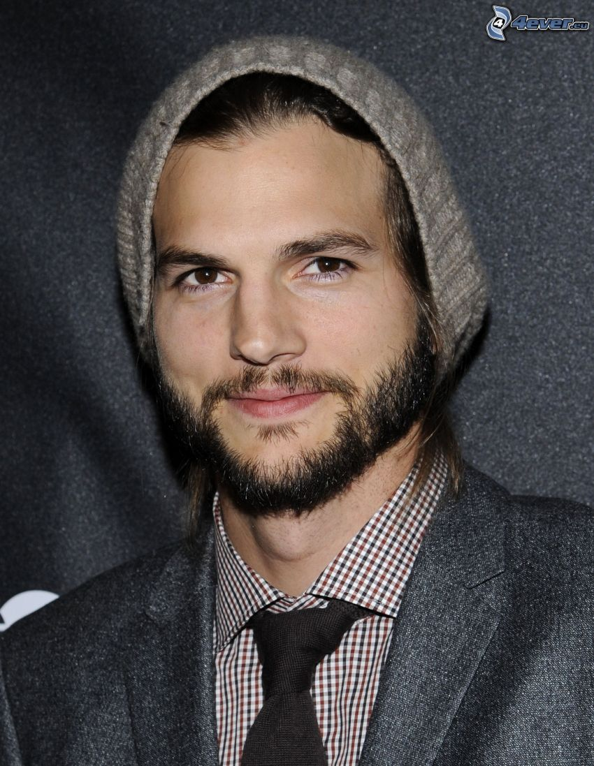 Ashton Kutcher, gorro, barba