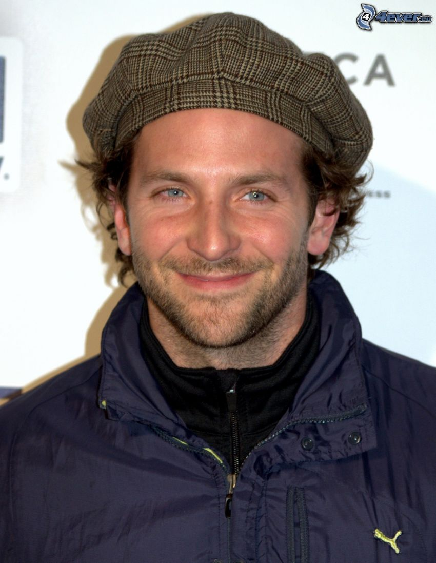 Bradley Cooper, gorro, chaqueta