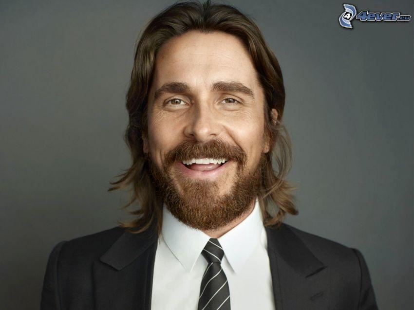 Christian Bale, bigote, hombre en traje, risa