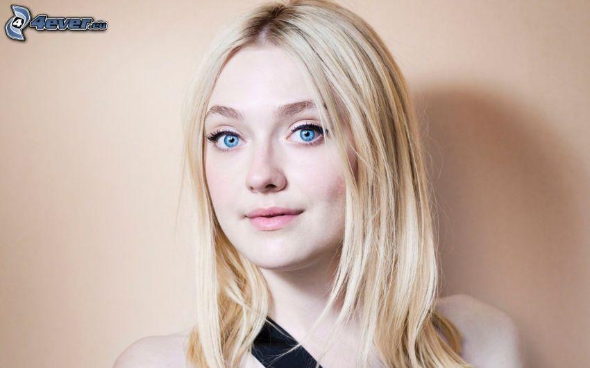 Dakota Fanning, ojos azules