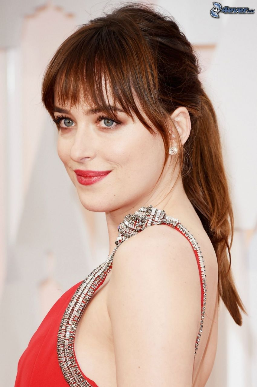 Dakota Johnson, vestido rojo