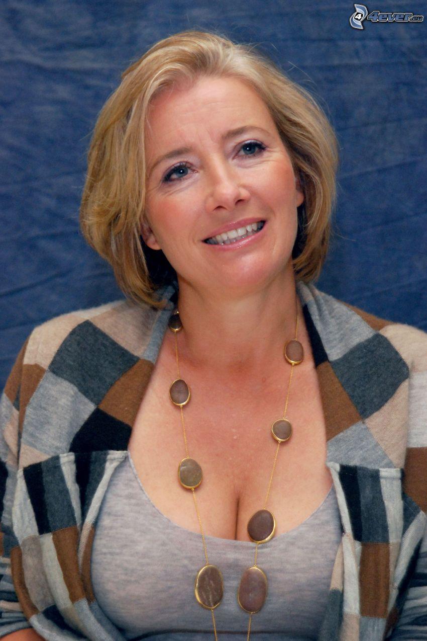Emma Thompson, sonrisa, collar
